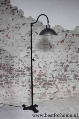 Stoere metalen vloerlamp industri le landelijke staande for Industriele schemerlamp