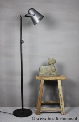 Landelijke vloerlamp